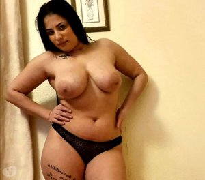 Eleana escort girl in Orangeburg, SC
